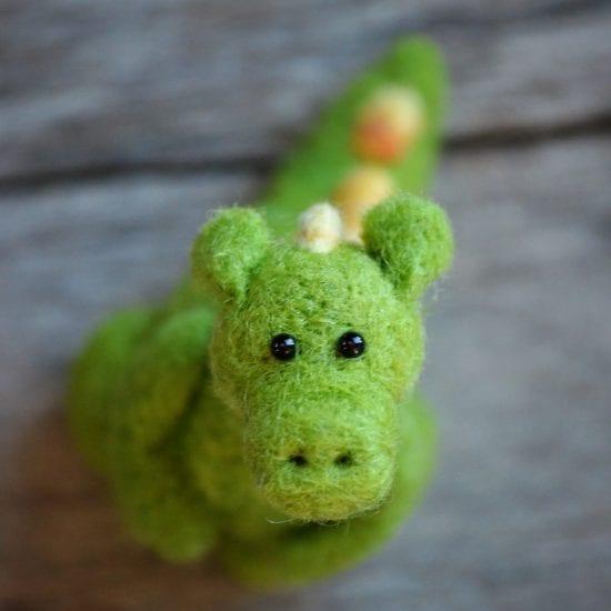 dragon green wool